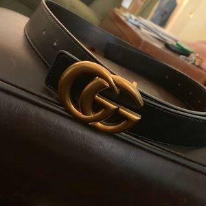 Like new Gucci belt!!